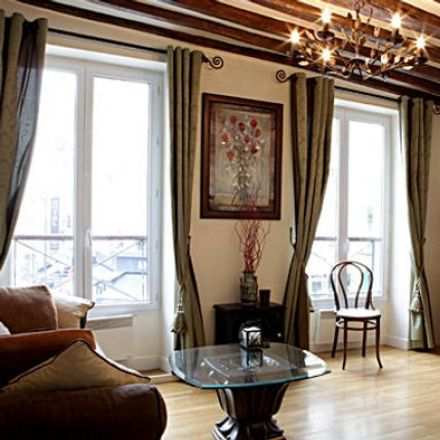 Rent this 2 bed apartment on 36 Rue Lepic in 75018 Paris, France