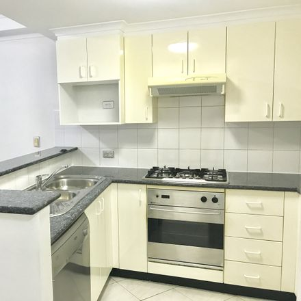 Rent this 1 bed apartment on 34/1-7 Pelican Street