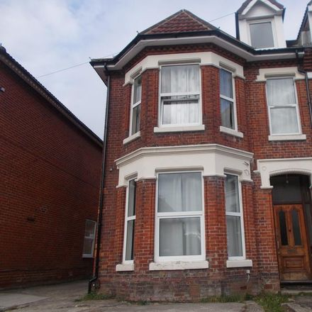 Rent this 8 bed house on 28 Alma Road in Southampton SO14 6UQ, United Kingdom