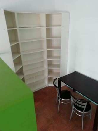 Rent this 5 bed room on R. Heróis do Ultramar in 2675 Odivelas, Portugal