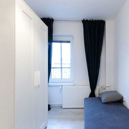 Rent this 4 bed room on Przestrzenna 19a in 50-534 Wroclaw, Poland