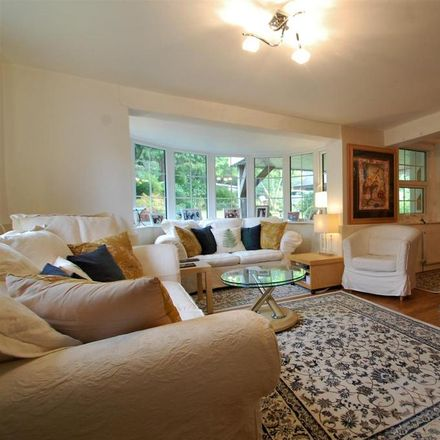 Rent this 3 bed house on The Plantation in Hill Brow Road, East Hampshire GU33 7PX