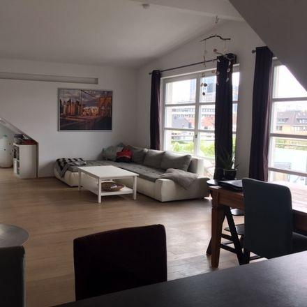 Rent this 5 bed duplex on 40215 Dusseldorf