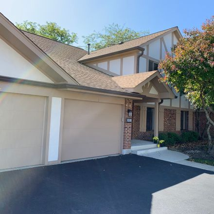 Rent this 3 bed townhouse on 829 Knottingham Drive in Schaumburg, IL 60193