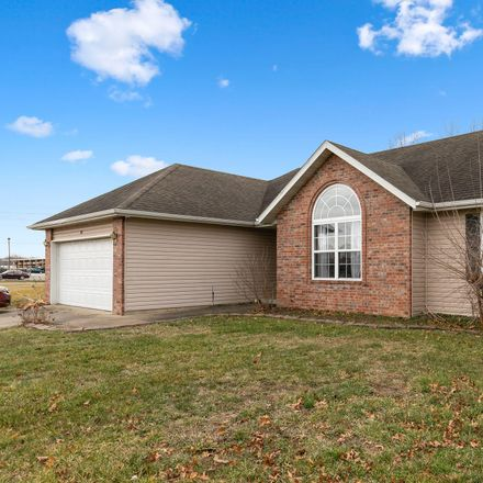Rent this 3 bed house on Maplewood Street in Rogersville, MO 65742
