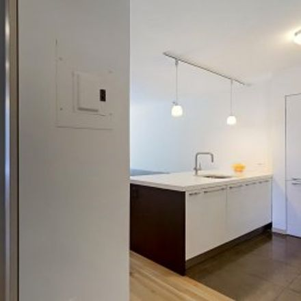 Rent this 2 bed apartment on #3D in 311 East 11th Street, Ukrainian Village