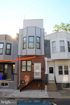 Rent this 3 bed townhouse on 1436 North Corlies Street in Philadelphia, PA 19121