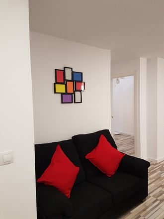 Rent this 4 bed apartment on Carrer del Dr. Jaume Segarra in 46019 València, Valencia