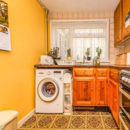 Rent this 3 bed house on Thrales Close in Luton, LU3 3LZ