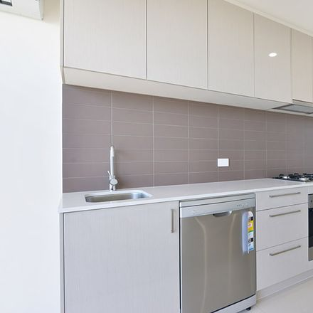 Rent this 2 bed apartment on 216/394-398 Middleborough Road