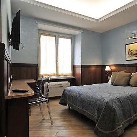 Rent this 4 bed room on Ramen Bar Akira in Via Ostiense, 73f