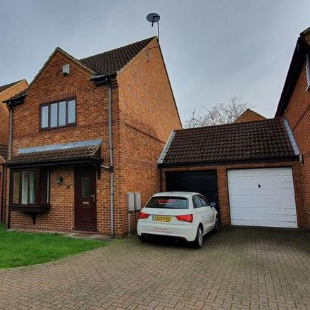 Rent this 3 bed house on Wadesmill Lane in Bow Brickhill MK7 8LN, United Kingdom