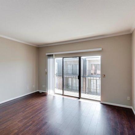 Rent this 1 bed condo on 2425 Underwood Street in Houston, TX 77030