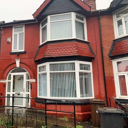 Rent this 3 bed house on Richmond Avenue in Bury M25 0NA, United Kingdom