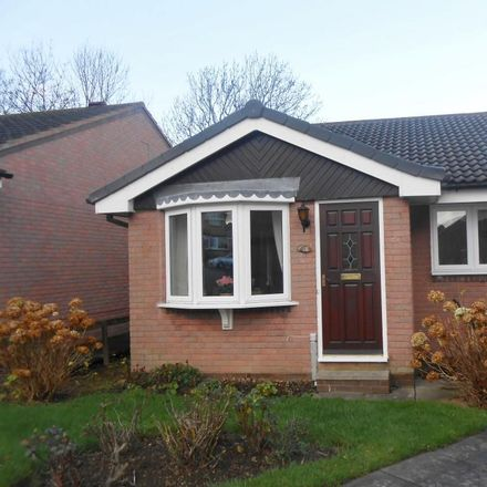 Rent this 2 bed house on Middle Close in Barnsley S75 5RG, United Kingdom