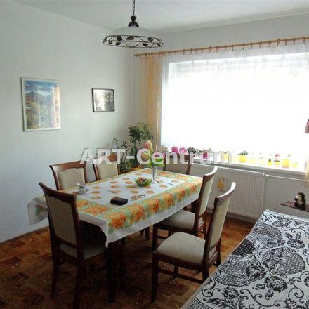 Rent this 3 bed apartment on Boisko Orlik in Szosa Chełmińska, 87-119 Toruń