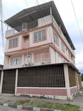 Rent this 3 bed apartment on Carrera 41A 31-05 in Comuna 11, 760020 Perímetro Urbano Santiago de Cali