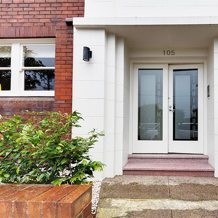 Rent this 2 bed apartment on 1/105 Bellevue Street