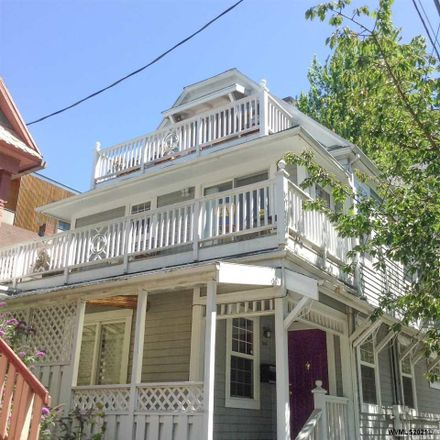 Rent this 8 bed duplex on 3449 Southeast Yamhill Street in Portland, OR 97214