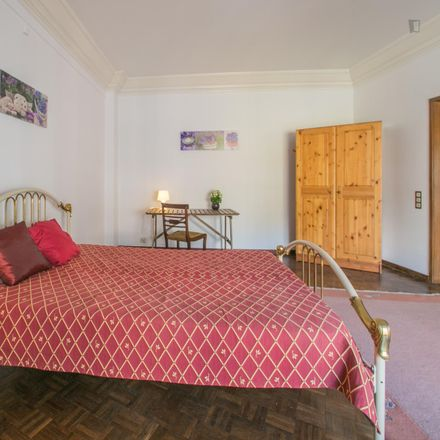 Rent this 5 bed room on Rua dos Açores in 1000-172 Lisbon, Portugal