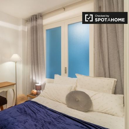 Rent this 3 bed room on Carrer del Comte d'Urgell in 160, 08001 Barcelona