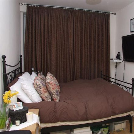 Rent this 2 bed apartment on Dominion Christ Church in Harlesden Jubilee Clock, High Street Harlesden