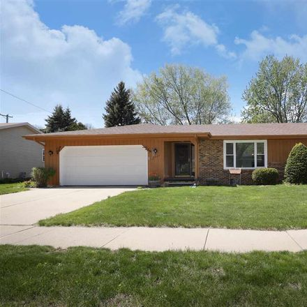 Rent this 3 bed house on 1509 South Theodore Street in Appleton, WI 54915