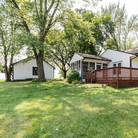 Rent this 3 bed house on 17665 W Casey Rd in Libertyville, IL