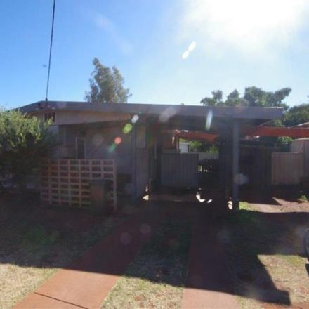 Rent this 3 bed house on 12 Windamarra