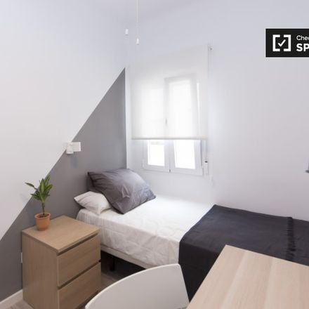 Rent this 2 bed apartment on Biblioteca María Moliner in Calle Daoíz, 28903 Getafe