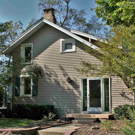 Rent this 3 bed house on Prince Charming Ln in Roscoe, IL