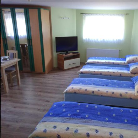 Rent this 5 bed room on Milicka in Wrocław, Polonia