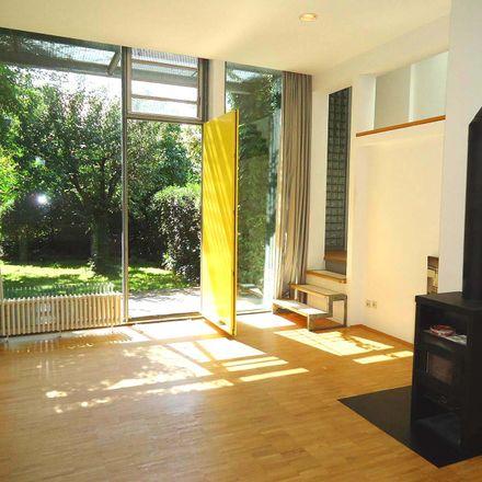 Rent this 5 bed duplex on 69469 Weinheim