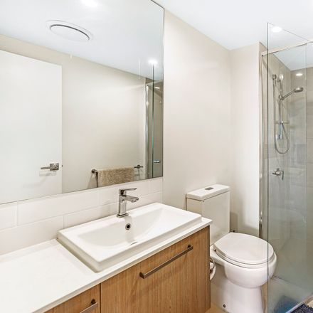 Rent this 2 bed apartment on 137/25 Parnell Blvd