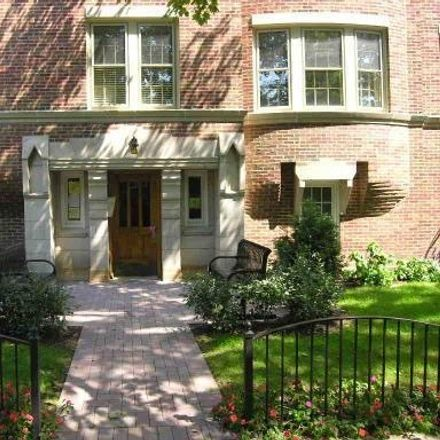 Rent this 3 bed townhouse on 1130 Washington Boulevard in Oak Park, IL 60302