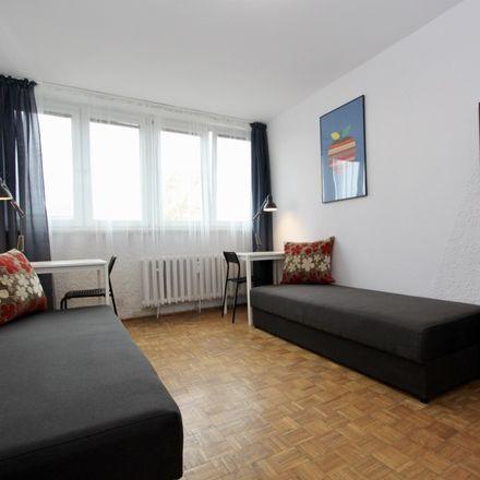 Rent this 3 bed room on Szczepińska 6 in 53-655 Wrocław, Polska