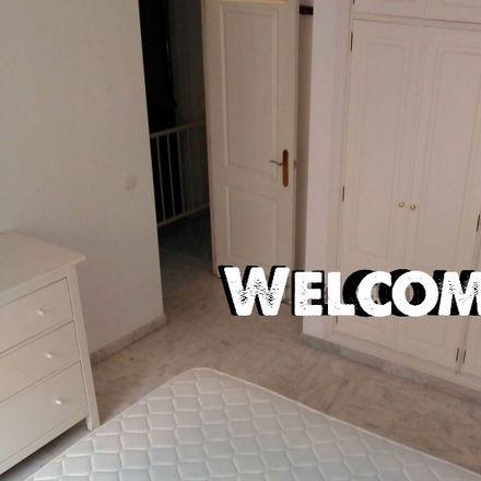 Rent this 3 bed room on Av. Clara Campoamor in 41920 San Juan de Aznalfarache, Sevilla