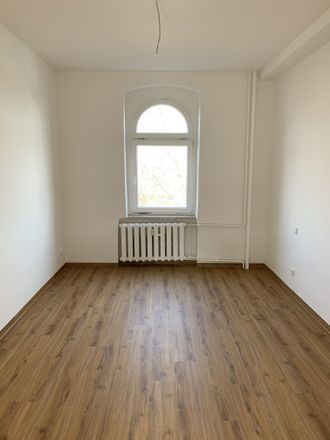 Rent this 2 bed apartment on Schmiedstraße 35 in 06112 Halle (Saale), Germany