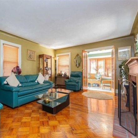 Rent this 3 bed house on 194-37 112th Avenue in New York, NY 11412