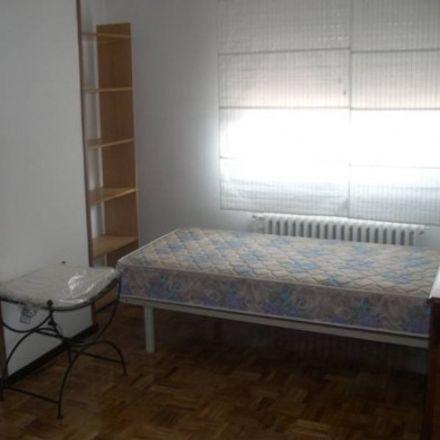 Rent this 2 bed room on Calle Adarga in 28807 Alcalá de Henares, Spain