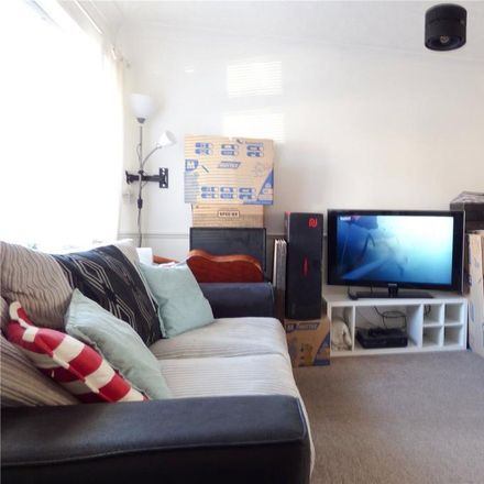 Rent this 2 bed house on Redwood Grove in Havant PO9 5TN, United Kingdom