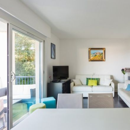 Rent this 2 bed apartment on 31 Avenue des Chênes Salis in 06160 Antibes, France