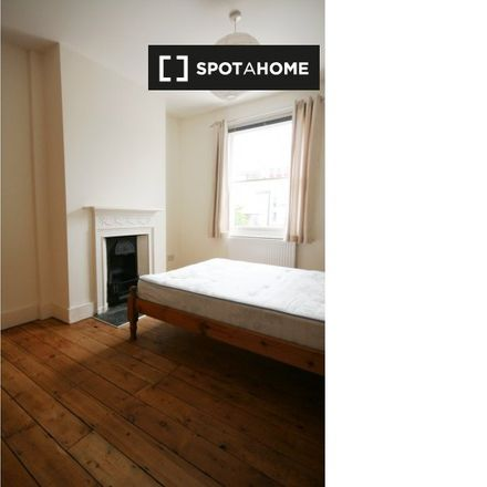 Rent this 5 bed apartment on Parish Church of St. Thomas in Monsell Road, London N4 2UH