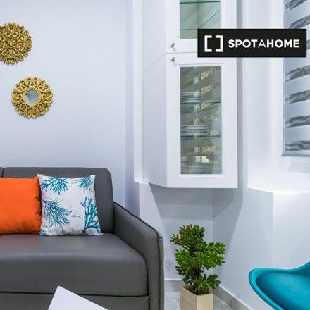 Rent this 2 bed apartment on Calle de la Batalla del Salado in 30, 28045 Madrid