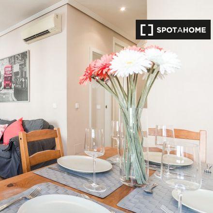 Rent this 2 bed apartment on Calle de José Ortega y Gasset in 87, 28001 Madrid