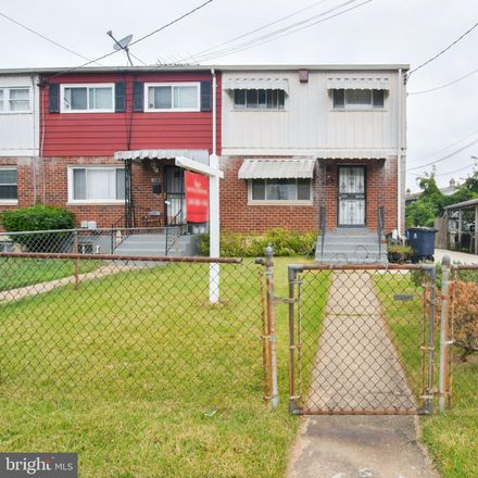 Rent this 3 bed townhouse on 6516 Columbia Park Road in Hyattsville, MD 20785