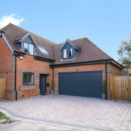 Rent this 4 bed house on Steeple View in Thatcham RG19 3PL, United Kingdom