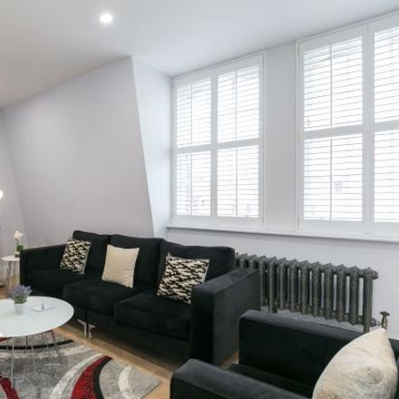 Rent this 5 bed apartment on 151 Shaftesbury Avenue in London WC2H 8DP, United Kingdom