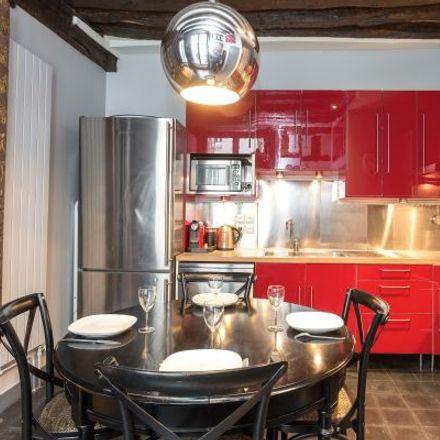 Rent this 3 bed apartment on 90 Rue Quincampoix in 75003 Paris, France