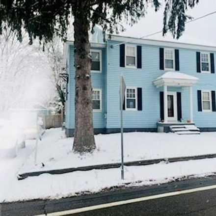 Rent this 5 bed house on School Street in Lincoln, RI 02802